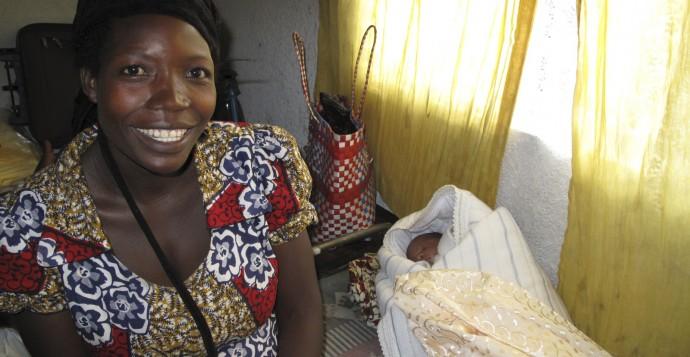 Kvinna barn babypaket